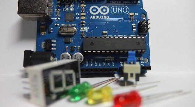 Electrónica Para Niños: Plataforma Arduino